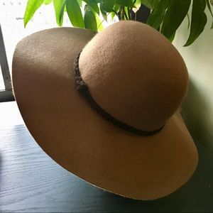 Maurices Floppy Brimmed Hat in Brown
